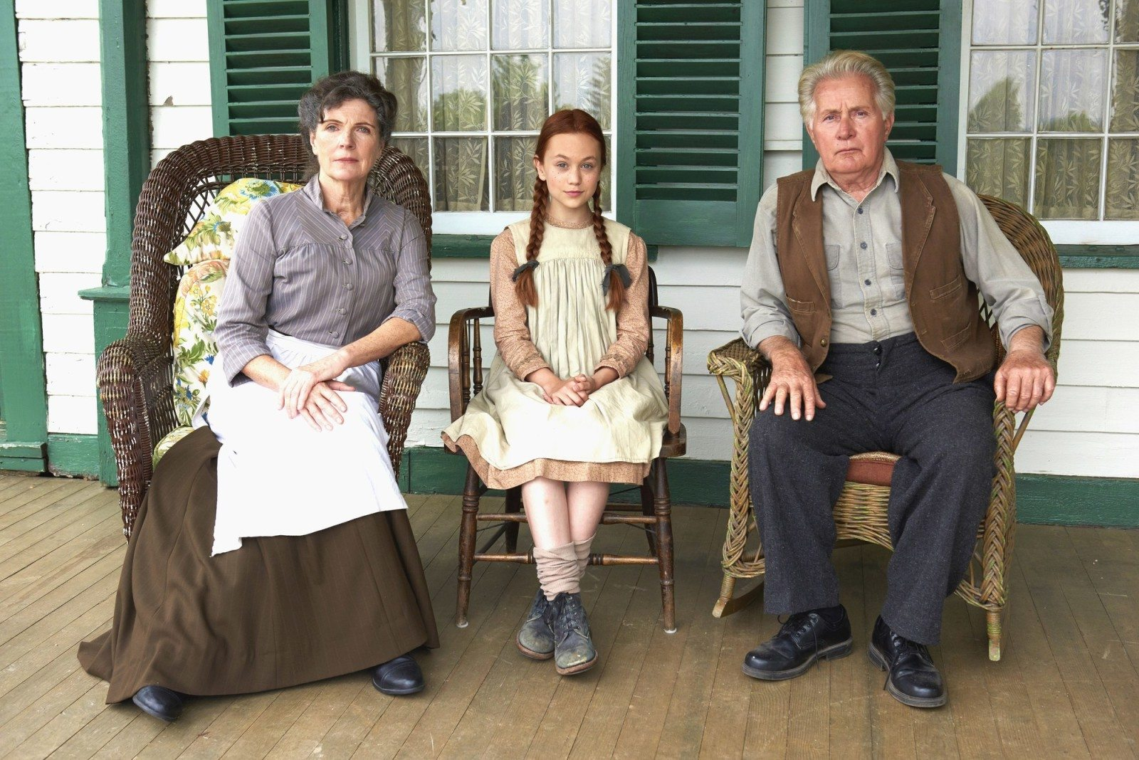 Sara Botsford, Ella Ballentine and Martin Sheen in Lucy Maud Montgomery's Anne of Green Gables (CNW Group/YTV Canada Inc.)